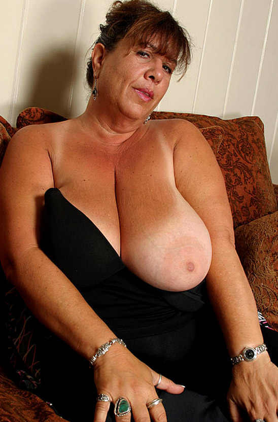 Old women's big tits